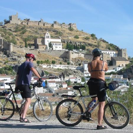 Ruta del Califato en bicicleta ciclistas en Moclín