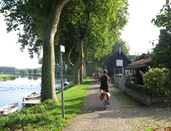 Corazón verde de Holanda en barco y bici