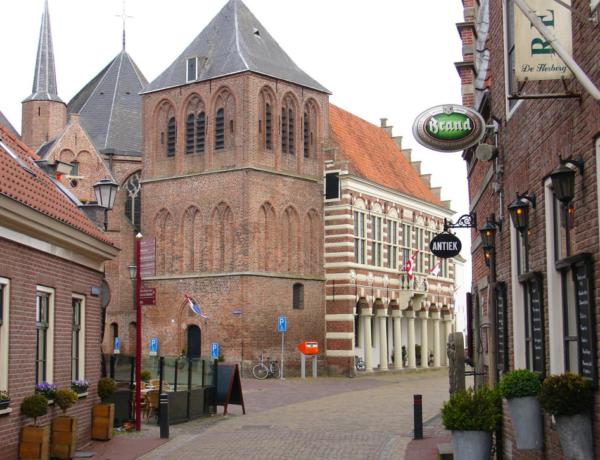 Familias: Cuentos y castillos de Holanda en barco y bici: Vollenhove