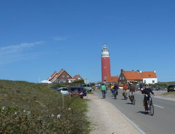 Norte de Holanda y la Isla Texel en barco y bici: Faro en Texel