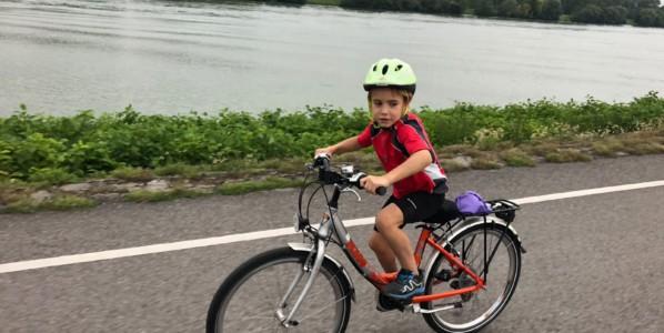 Los mejores destinos para viajar con niños en bicicleta