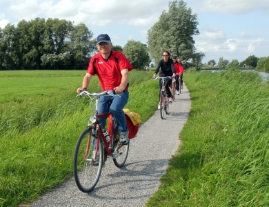 De Ámsterdam a Brujas en barco-bici