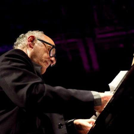 pianista, musicólogo, crítico musical y compositor británico Michael Nyman