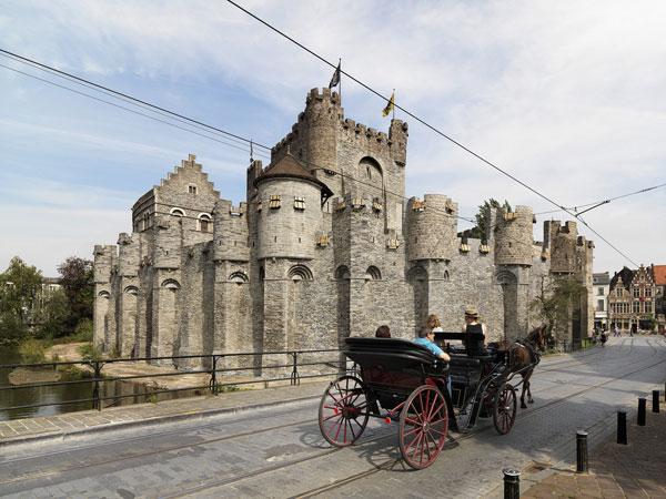 Bruselas a Brujas en barco-bici: Gante, Castillo Gravestijn