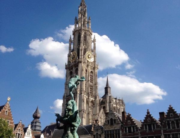 Amsterdam-Brujas en barco y bici