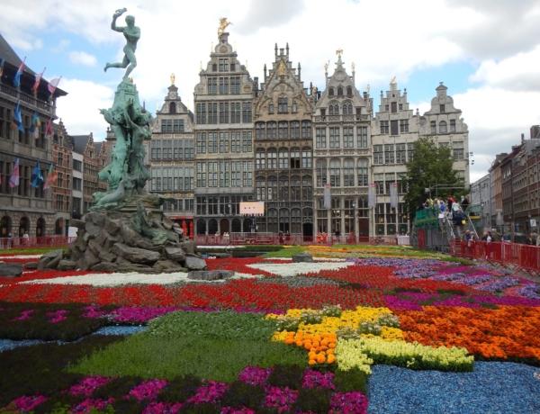 Amsterdam-Brujas en barco y bici: Brujas
