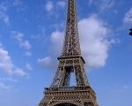 Y el cielo de París tiene su propio secreto…