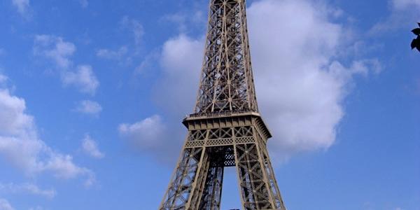 Descubrir París y alrededores en bici cuesta menos ahora…