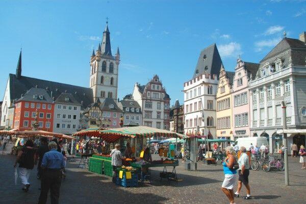 Mosela en barco-bici: Hauptmarkt en Trier