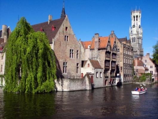 Bruselas a Brujas en barco-bici: Brujas