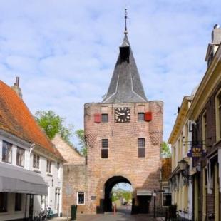 Holanda central: por los ríos Rin & IJssel en barco y bici:Elburg