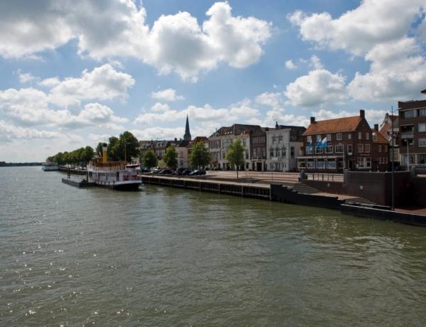 Holanda central: por los ríos Rin & IJssel en barco y bici