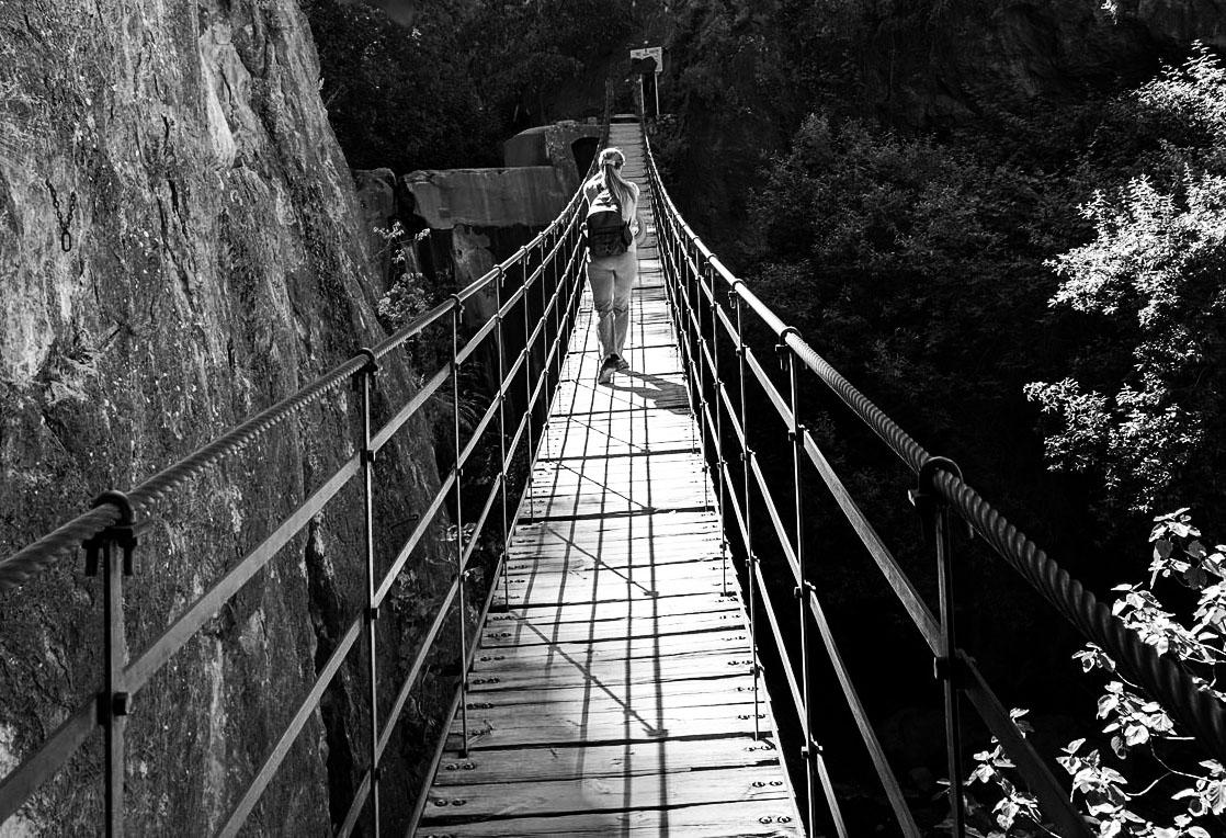 Puente Boletin Bw