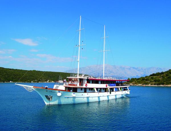 Barco Harmonia Croacia